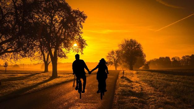 Dating | Daten | Date | Datingsite | Plussers | Senioren | Ouderen | 50+ | 55+ | 60+ | 65+ | 70+ | PlusTips.nl